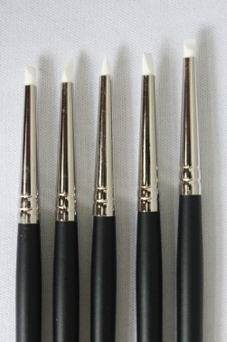 XDT Quality Brush: Rubber Tip Brush Small