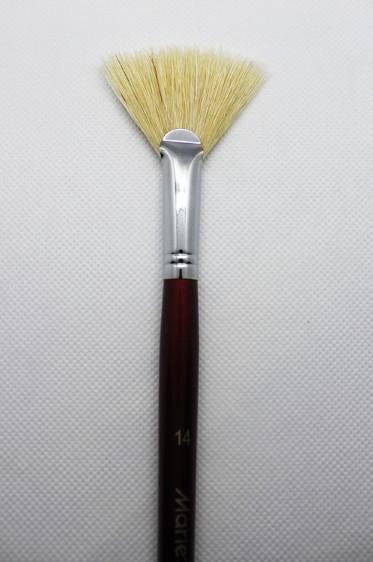 Maries Martol Brush: Fan Bleached Brush 14