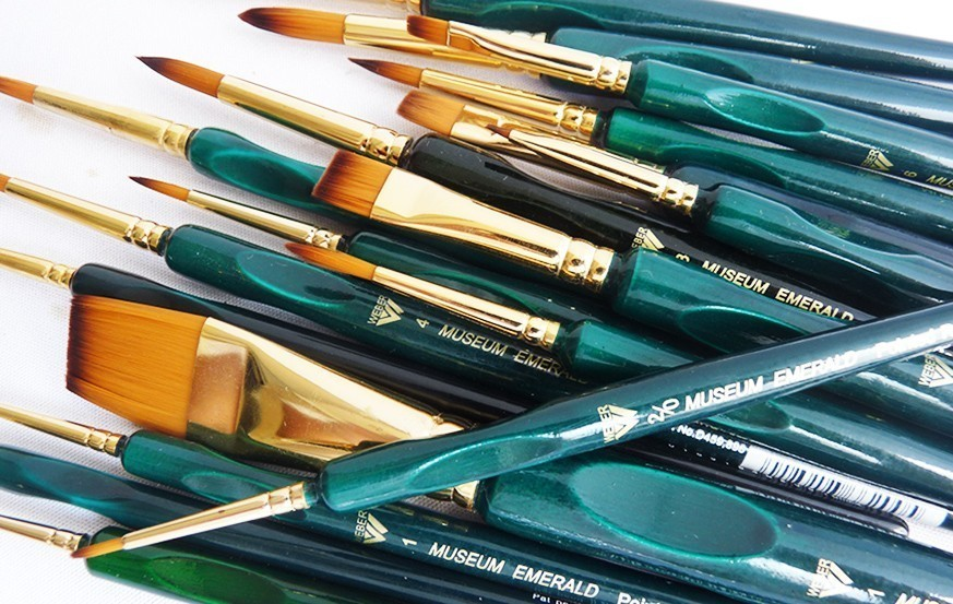 Weber Museum Emerald Golden Talkon Brush